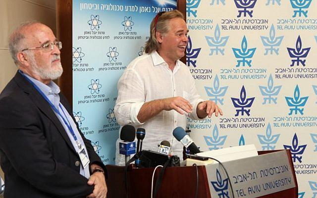 Security expert Eugene Kaspersky (right) at Tel Aviv University (Photo credit: Courtesy)