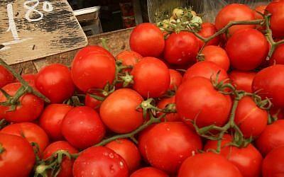 Tomatoes for sale at the Mahane Yehuda market in Jerusalem, September 2012 (photo credit: Oren Nahshon/Flash90)