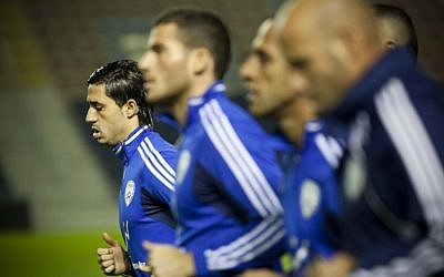 The Israeli national soccer team training in Jerusalem before a match against Belarus, on November 13, 2012. (photo credit: Yonatan Sindel/Flash90)