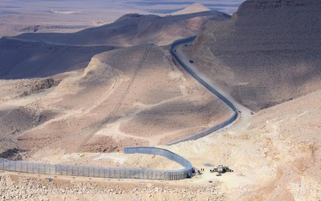 A section of the  border fence between Israel and Egypt, January 2012. (Moshe Milner/GPO/Flash90)