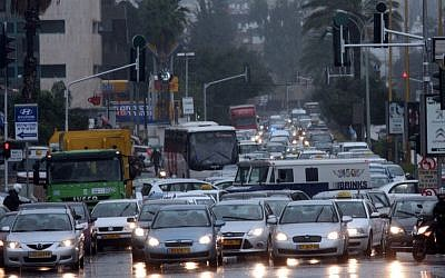 In this undated photo, heavy flooding from the Ayalon River causes traffic jams in Tel Aviv (Flash90)