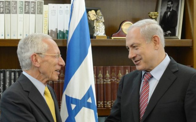 Prime Minister Benjamin Netanyahu with Bank of Israel Governor Stanley Fischer (photo credit: Amos Ben Gershom/GPO/Flash90)