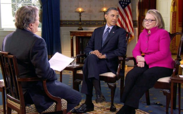 "US President Barack Obama and then secretary of state Hillary Clinton speak with ""60 Minutes"" correspondent Steve Kroft at the White House in January 2013 (photo credit: AP/CBS)"