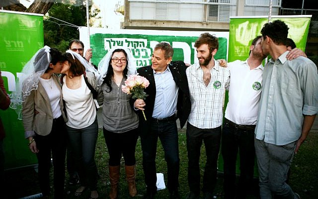 Meretz party member Nitzan Horowitz (center) conducts a gay marriage ceremony outside the rabbinical court in Tel Aviv, Thursday, January 3, 2013 (photo credit: Flash90)