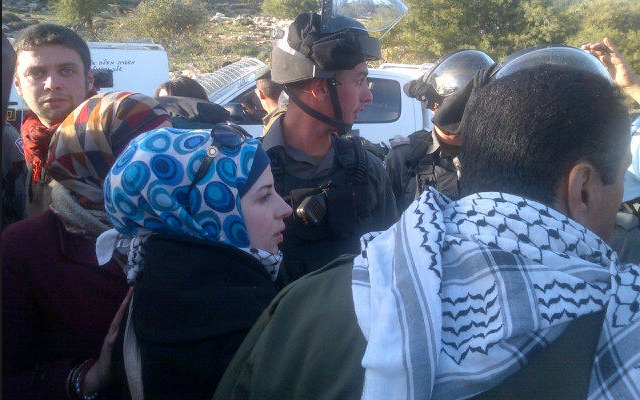 Activists and Border Police at the Bab a-Shams tent village, Tuesday (photo credit: Lemapal/Twitter)