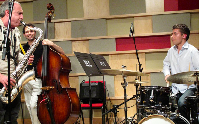 Ehud Ettun with saxophonist George Garzone and drummer Patrick Kunka (Courtesy Ehud Ettun)