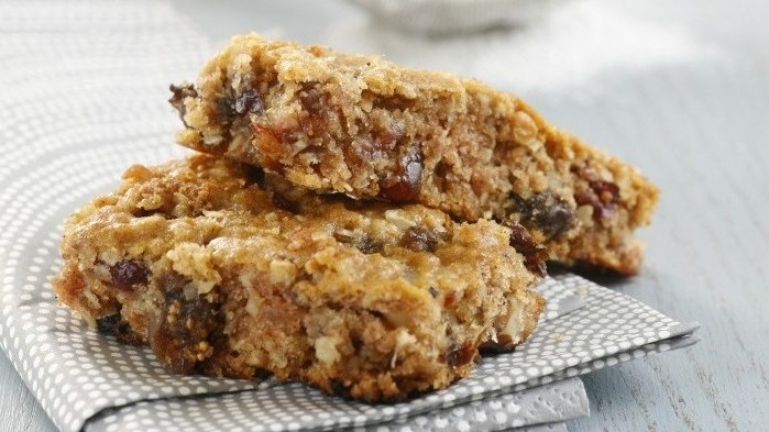 Phyllis Glazer's granola bars (photo credit: Danya Weiner)