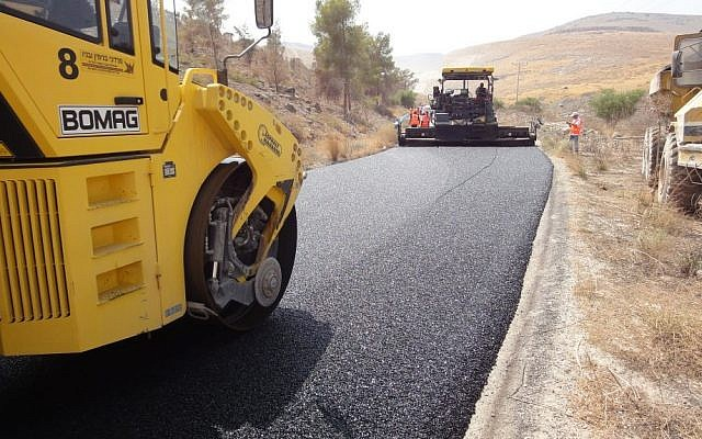 A road in northern Israel being paved with DSI's RuBind (Photo credit: Courtesy)