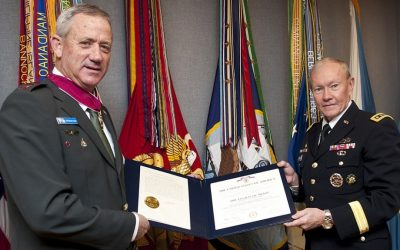 Chairman of the Joint Chiefs of Staff General Martin Dempsey presents IDF Chief of General Staff Lt.-Gen. Benny Gantz with the Legion of Merit on Tuesday, February 5, 2013. (IDF Spokesman Office)