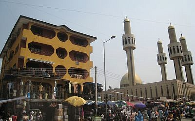 The Central Mosque in Lagos, Nigeria. (Photo credit: CC BY satanoid, Flickr)