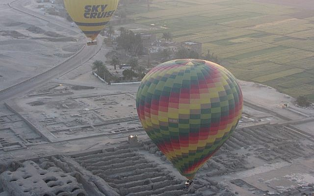 Illustrative photo of hot air balloons over Luxor, Egypt (photo credit: CC BY OsvaldoROVE/Flickr)