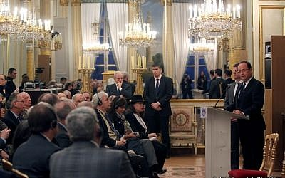 Francois Hollande speaking to Jewish leaders at the Elysee Palace on Wednesday. (photo credit: Courtesy Présidence de la République)
