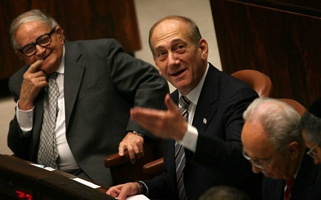 Eitan sitting next to Prime Minister Ehud Olmert at the Knesset, July 2006 (photo credit: Pierre Terdjman/Flash90)