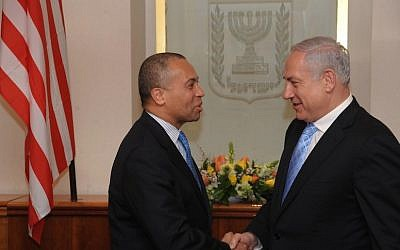 Prime Minister Benjamin Netanyahu shakes hands with Massachusetts Governor Deval Patrick in Jerusalem on the latter's 2011 visit here (Photo credit: Amos BenGershom / GPO/Flash90)
