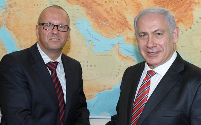 German Ambassador to Israel Andreas Michaelis, left, with Prime Minister Benjamin Netanyahu in Jerusalem, August 17, 2011. (photo credit: Moshe Milner/GPO/Flash90)