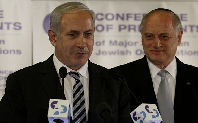 Malcolm Hoenlein (right) with Prime Minister Benjamin Netanyahu (Photo credit: Uri Lenz/FLASH90)