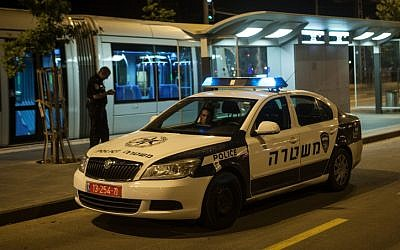Illustrative photo of an Israel Police car in Jerusalem, June 2012 (Uri Lenz/Flash90)