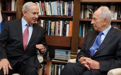 Prime Minister Benjamin Netanyahu with then-president Shimon Peres on October 10, 2012 (Moshe Milner/GPO/FLASH90)