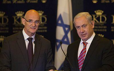 EU Ambassador to Israel Andrew Standley with Prime Minister Benjamin Netanyahu in Jerusalem, October 16, 2012. (photo credit: Yonatan Sindel/Flash90)