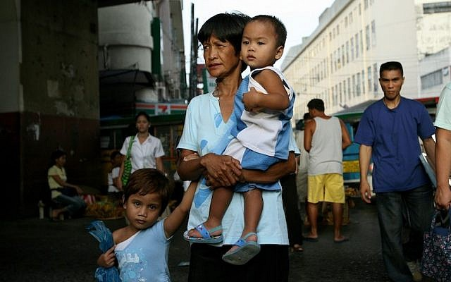 A Manila street scene (Photo credit: Moshe Shai/FLASH90)