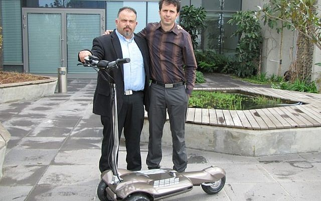 Benny Shimon (left) and Amir Zaid show off the Muve (Photo credit: Courtesy)
