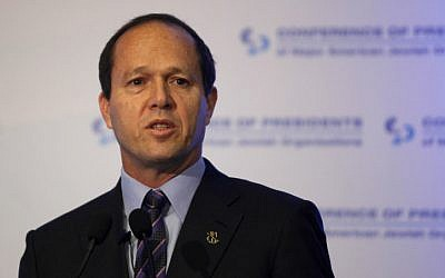 Jerusalem Mayor Nir Barkat speaking at the Conference of Presidents of Major American Jewish Organizations at the Inbal Hotel, Jerusalem, in 2013 (photo credit: Flash90)