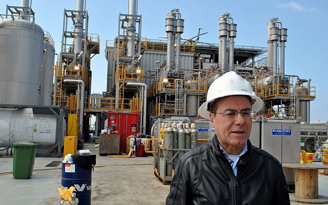 Energy and Water Minister Silvan Shalom visits a special processing plant off the coast of Ashdod in March, set to receive gas from the Tamar deposit for the first time in four years. (photo credit: Moshe Binyamin/Energy and Water Ministry)