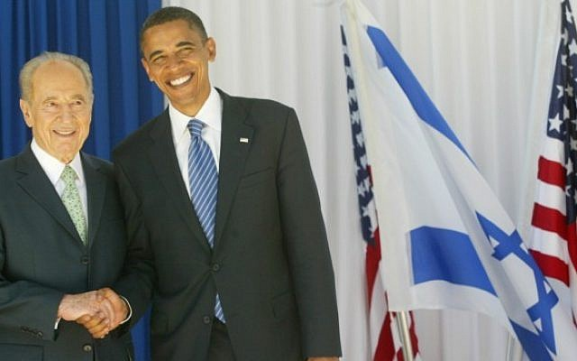 President Shimon Peres meets with then-US Democratic presidential candidate Barack Obama at the President's Residence in Jerusalem July 23, 2008 (photo credit: Olivier Fitoussi /Flash90)