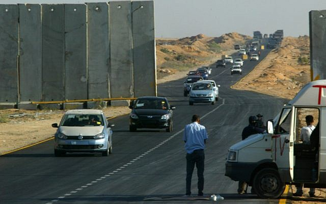 Cars transferred to Rafah through the Kerem Shalom crossing between Israel and the southern Gaza Strip, 2010 (photo credit: Abed Rahim Khatib/Flash90)