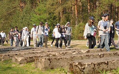 Illustrative photo of Israeli students on trip to Poland in 2011 (photo credit: Yossi Zeliger/Flash90)