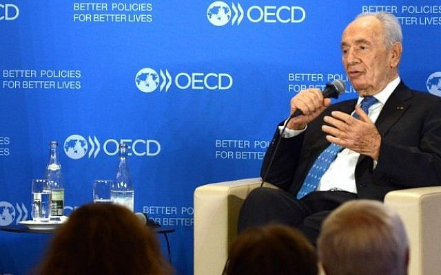 Shimon Peres in Paris, France, on March 8 2013 (photo credit: Moshe Milner/GPO/Flash90)