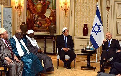 Israeli President Shimon Peres meets in Paris with Muslim Imams on Sunday. (photo credit: Moshe Milner/ GPO/Flash90)