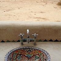 The sinks at Beerotayim, a khan in the desert (photo credit: Jessica Steinberg/Times of Israel)