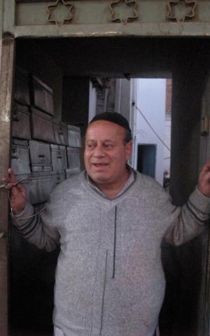 Zeblon Simontov, believed to be the last Jew in Afghanistan, met Garfinkel at his synagogue in Kabul. (Courtesy of Jonathan Garfinkel)