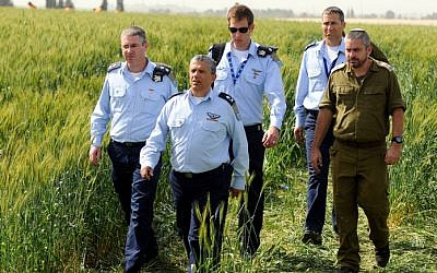 Israeli Air Force Commander Major General Amir Eshel investigating the site of the accident that left two Air Force pilots dead, Tuesday, March 12, 2013. (photo credit: Yossi Zeliger/Flash90)
