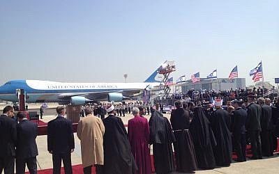 Israeli delegates line up to greet US President Barack Obama on Wednesday, March 20 (photo credit: Matti Friedman/Times of Israel)