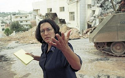 Amira Hass in Ramallah, 2001 (photo credit: Yossi Zamir/Flash90)