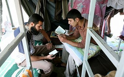 Inmates at Ofer penitentiary, August 20, 2008 (photo credit: Moshe Shai/Flash90)