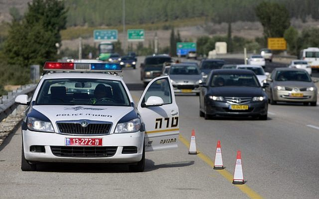 Israel Police, December 22, 2010 (illustrative photo: Abir Sultan/Flash 90)