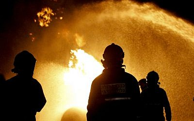 Illustrative photo of firefighters combating a blaze. (JINIPIX/Flash90)