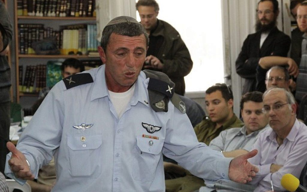 Then-chief rabbi of the IDF Rafi Peretz is seen on February 23, 2012. (Gershon Elinson/ Flash90/ File)