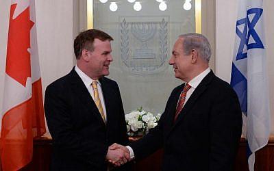Canadian Foreign Minister John Baird (left) and Prime Minister Benjamin Netanyahu in Jerusalem (photo credit: Kobi Gideon/Flash90)
