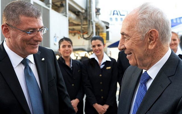 President Shimon Peres seen with El Al CEO Elyezer Shkedy, April 29, 2013. (photo credit: Kobi Gideon/GPO/Flash90)
