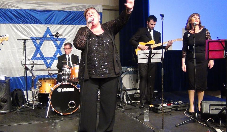 'X-Factor' star Mary Byrne singing at Israel reception, Dublin. (photo credit: Michael Fitzgerald)