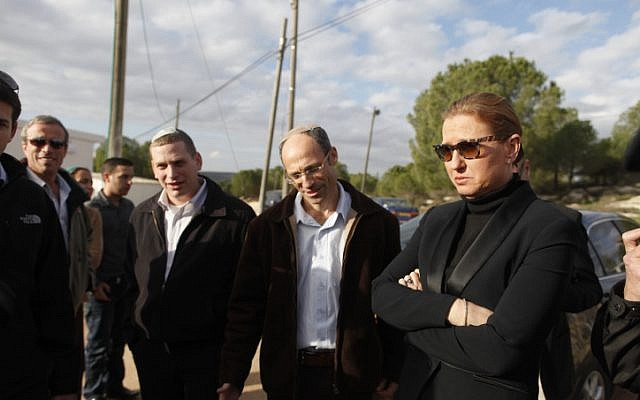 Tzipi Livni visits the West Bank settelment of Gvaot in Gush Etzion, December 19 (photo credit: Lior Mizrahi/Flash90)