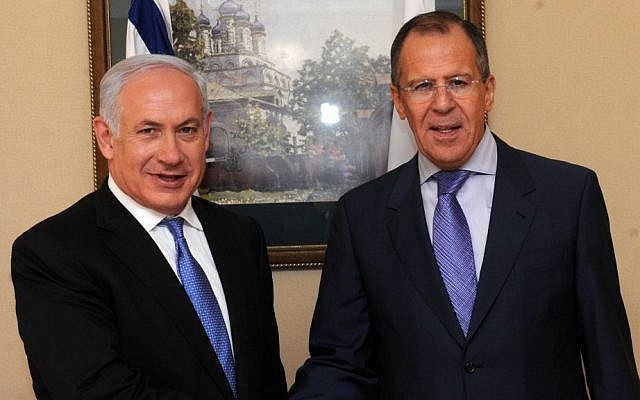 Russia's Foreign Minister Sergey Lavrov with Prime Minister Benjamin Netanyahu in Jerusalem on March 24, 2011. (Avi Ohayon/GPO/Flash90)