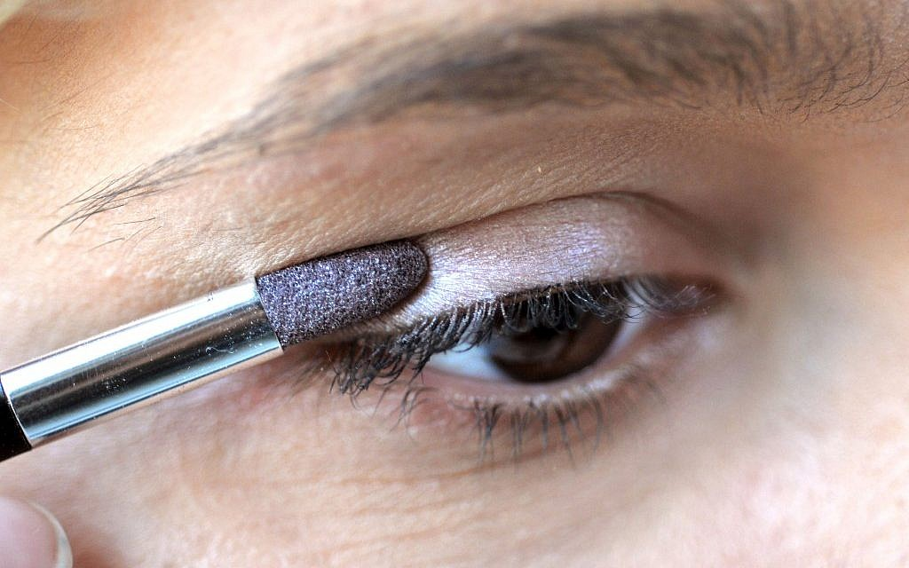 Orthodox Mom Sues Over Faded Makeup The Times Of Israel