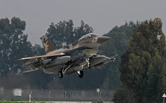 A fully armed F-16 during take off. (photo credit: Ofer Zidon/Flash90)