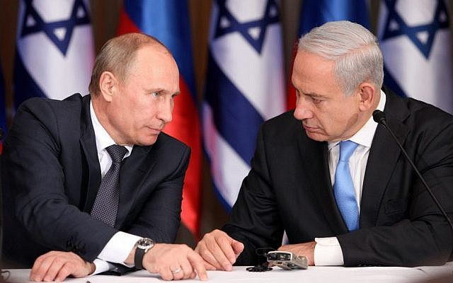 Prime Minister Benjamin Netanyahu (right) and Russian President Vladimir Putin in Jerusalem on June 25, 2012 (photo credit: Marc Israel Sellem/Pool/Flash90)