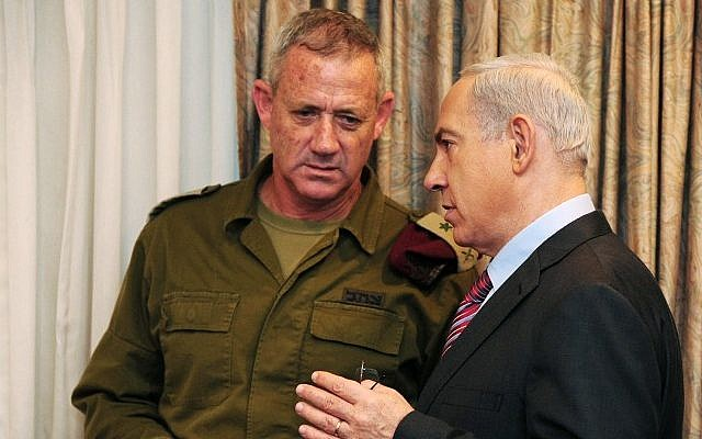 Chief of the General Staff, Lt. Gen. Benny Gantz, and Prime Minister Benjamin Netanyahu before a cabinet meeting in November 2012 (photo credit: Kobi Gideon/GPO/Flash 90)